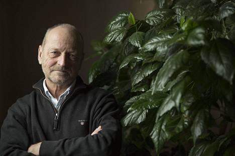 Tommy Hellsten kehitti Ihminen tavattavissa -ohjelmansa muun muassa uupumuksen käsittelyyn.
