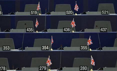 Britannian liput odottivat brittimeppien paikoilla Euroopan parlamentissa viime viikolla, kun parlamentti valmistautui keskustelemaan EU:n huippukokouksesta ja Britannian EU-kansanäänestyksestä.