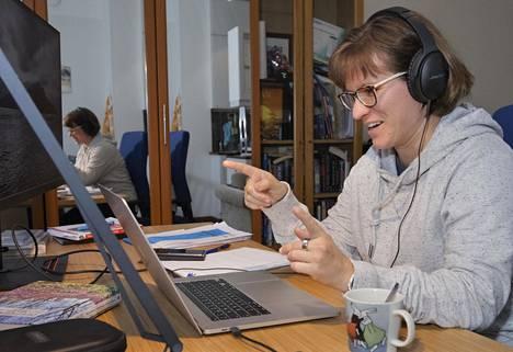 Unityn datatieteilijä Suvi Vasama aloitti työssään elokuussa ja on käynyt työpaikalla vain muutaman kerran. Vasamaa eivät videotyöhaastattelut hätkäyttäneet, mutta hän myöntää, etteivät ne välttämättä sovi kaikille.