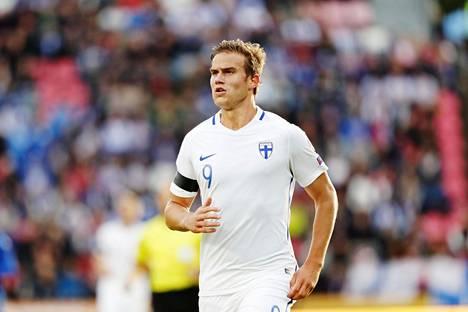 Eero Markkanen on pelannut Suomen A-maajoukkueessa seitsemäntoista ottelua ja tehnyt kaksi maalia.