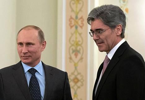 Saksan teollisuuspamput yrittävät ylläpitää hyviä suhteita pakotteista huolimatta. Siemensin pääjohtaja Joe Kaeser tapasi Vladimir Putinin Moskovassa maaliskuun lopussa.