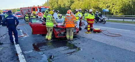 Sunnuntaina 12. heinäkuuta tapahtui jälleen onnettomuus liittymässä, jossa Lahdenväylä, Kehä I ja Porvoonväylä kohtaavat.
