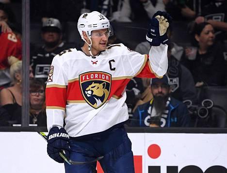 Aleksander Barkov johtaa Floridaa kapteenin lailla.