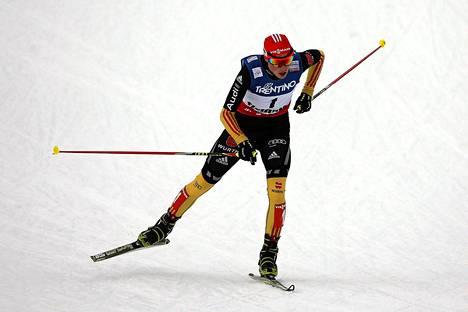 Saksan Eric Frenzel voitti yhdistetyn suurmäen kisan.