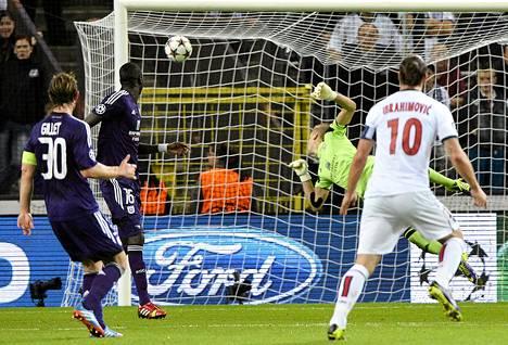 Zlatan Ibrahimovic oli huippuvedossa keskiviikkoiltana Mestarien liigassa.