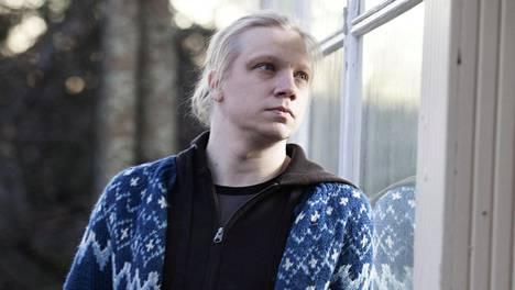 Jyväskylässä asuva runoilija voitti edellisellä teoksellaan Runeberg-palkinnon.