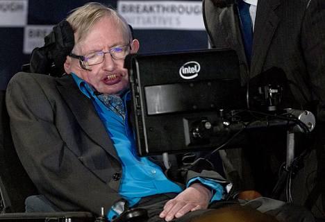 Professori Stephen Hawking The Royal Societyn tilaisuudessa Lontoossa heinäkuussa 2015.