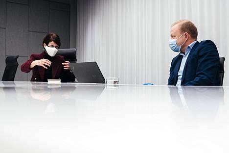 Nokian hallituksen puheenjohtaja Sari Baldauf ja toimitusjohtaja Pekka Lundmark uskovat, että organisaation uudistaminen, toimintatavan yksinkertaistaminen ja investointien lisääminen tuotekehitykseen palauttavat yhtiön huipulle.