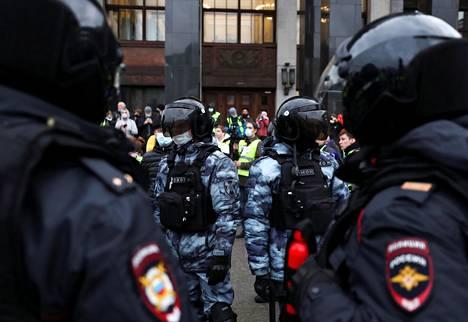 Mellakkapoliiseja Moskovassa.