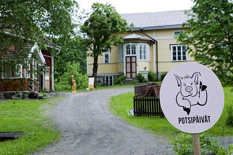 Kesällä Tohmajärvellä vietetään perinteisiä Potsipäiviä. Yksi tapahtumapaikoista on myös ensi kesänä Nymanin talo, joka on museokäytössä.
