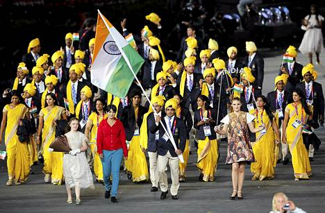 Madhura Nagendran asu poikkesi selvästi Intian joukkueen kisa-asuista.