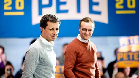 Pete Buttigieg (vas.) on kampanjoinut usein yhdessä aviomiehensä Chasten Buttigiegin kanssa.
