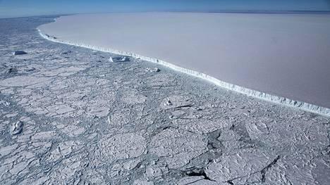 A68-jäälautta Yhdysvaltain avaruushallinto Nasan ottamassa kuvassa vuonna 2017.