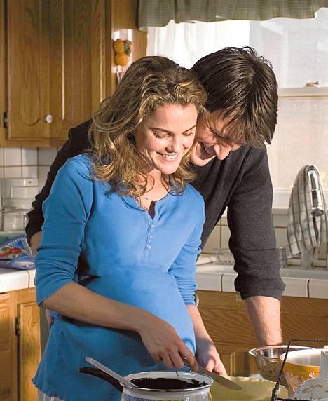 Nathan Fillionin tohtori houkuttaa Jennaa (Keri Russell) luvattomaan suhteeseen.<BR/>
