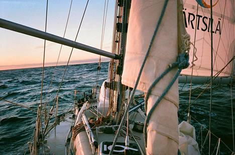 Tapio Lehtisen ottamaa kuvaa viime vuoden lopulta ennen saapumista Tasmanian vesille.