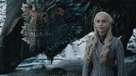 Yksi Game of Thronesin päähahmoista on Daenerys Targaryen (Emilia Clarke).