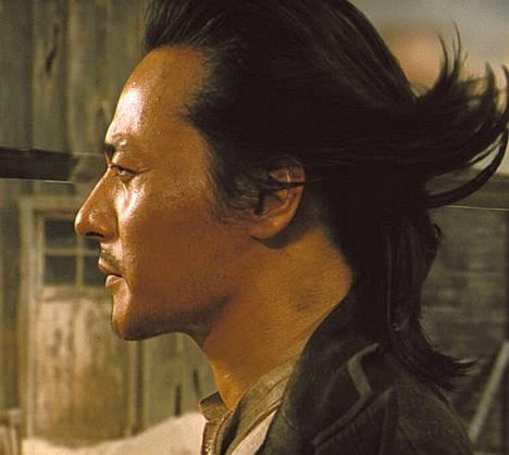 Dong-gun Jang on miekkamies Yang genrejä sekoittavassa elokuvassa The Warrior's Way.