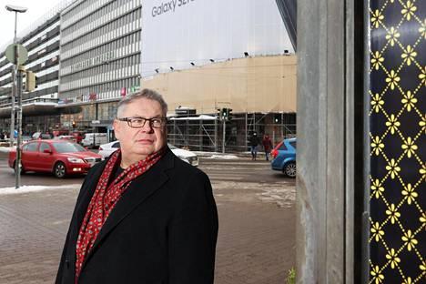HOK-Elannon kiinteistöjohtaja Jyrki Karjalainen kuvattuna Helsingin keskustassa helmikuussa 2021.
