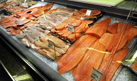 WWF on neuvonut välttämään Itämeren villin lohen ostamista.