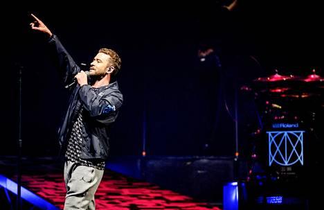Justin Timberlake esiintyi Amsterdamissa heinäkuun puolivälissä. Tukholman-keikalle laulaja ei ollut antanut kuvauslupaa.