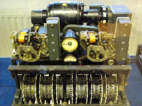 Lorenz-kone oli natsien käyttämä salauslaite.