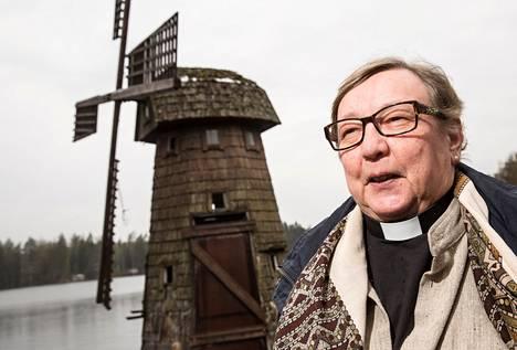 Arja Penttinen asui naispuolisonsa kanssa yhdessä jo vuonna 1994, kun hänet vihittiin papiksi.