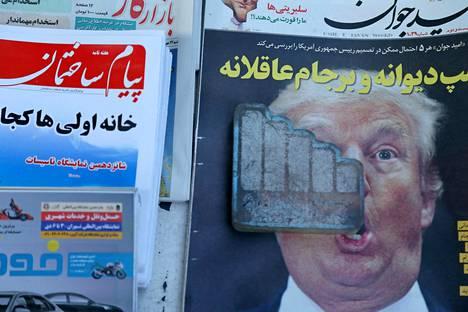 Iranilaiset lehdet uutisoivat lokakuussa Yhdysvaltain presidentin Donald Trumpin aikomuksista vetäytyä ydinsopimuksesta.