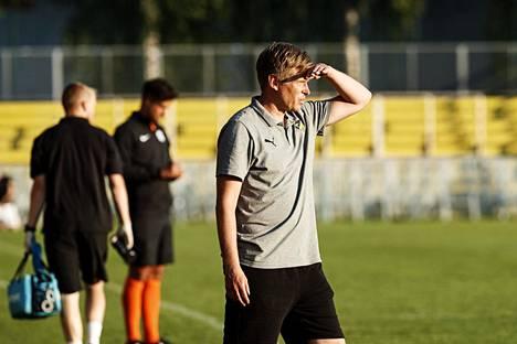 FC Hongan päävalmentaja Vesa Vasara halusi tuoda muutosta joukkueeseensa muuttamalla pelitapaa.