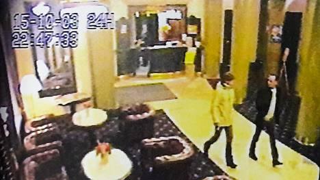Volkan Ünsal, Janne Raninen ja Raimo Andersson viettivät ravintolailtaa ennen murhaa.