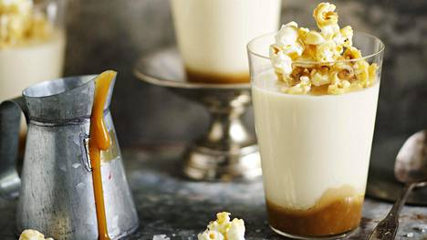 Suolaisen ja makean yhdistelmä sopii monen suuhun. Karamellipopcornin ohjeen löydät jutun lopusta.