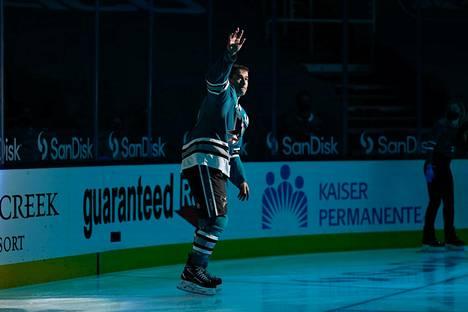 San Jose Sharksin 41-vuotias konkarihyökkääjä Patrick Marleau pelasi varhain torstaiaamuna Suomen aikaa NHL-uransa 1779. runkosarjaottelun. Ottelun jälkeen Marleau vilkutti hyvästit kotihallinsa yleisölle – kenties viimeistä kertaa NHL-pelaajana.