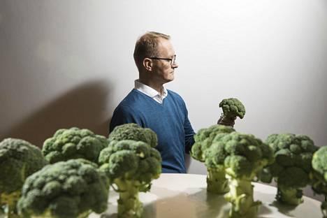 Reijo Laatikaisen mielestä ruokavaliolla on yhteistä uskonnon kanssa. Ruualta odotetaan, että yksittäisen ruoka-aineen nauttiminen takaa ikuisen terveyden.