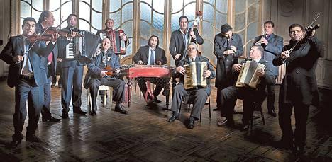 Taraf de Haidouksin musiikki perustuu soitinten vuoropuhelulle.