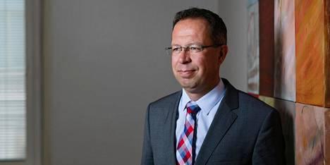 S-Pankin strategi Lippo Suominen uskoo, että taloudessa voidaan unohtaa nopea toipuminen koronakriisin vaikutuksista.
