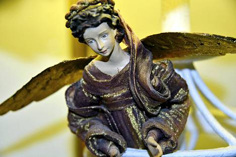 Enkelten siivet ovat arkkipiispa Kari Mäkisen mukaan taiteilijoiden keksintöä.