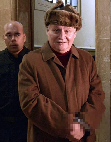 Sakaalina tunnettu Ilich Ramírez Sánchez saapui oikeuden eteen Pariisissa joulukuussa.