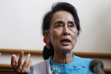 Myanmarin oppositiojohtajan Aung San Suu Kyin NLD-puolueen odotetaan saavan eniten paikkoja marraskuun vaaleissa.