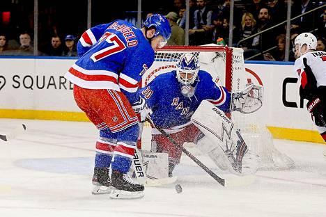 Henrik Lundqvistin ura on jatkunut New York Rangersissa 15 kautta.