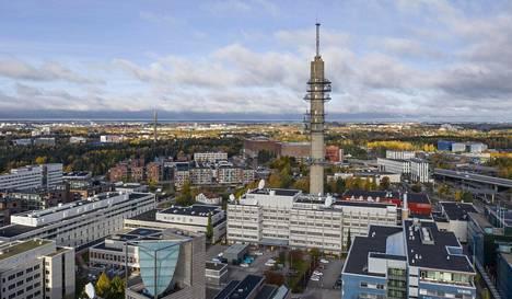 146-metrinen linkkitorni kuvattuna syksyllä 2020.