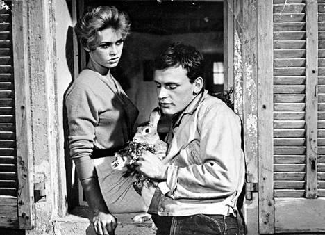 Ja jumala loi naisen -elokuva (1956) toi Saint-Tropez'n maailmankartalle. Pääosissa olivat Brigitte Bardot ja Jean-Louis Trintignant.