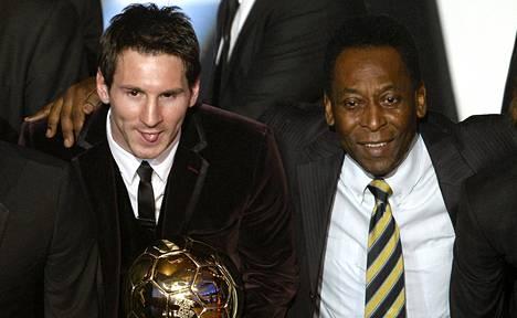 Pele (oik.) pitää Lionel Messiä teknisesti yhtä hyvänä pelaajana kuin itseään.