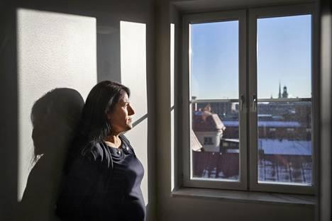 Sara Mohammad pakeni nuorena kotoaan Irakin Kurdistanista, kun hänen veljensä yritti pakottaa hänet aseella uhaten naimisiin huomattavasti vanhemman miehen kanssa. Nyt Mohammad asuu Ruotsissa ja taistelee kunniaväkivaltaa vastaan.