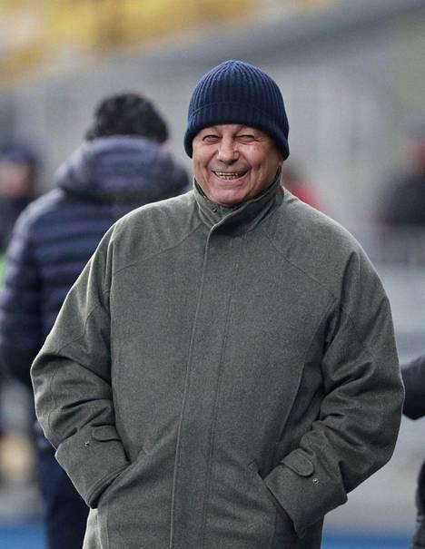 Mircea Lucescu on tiukassa paikassa Kiovan Dynamon valmentajana.