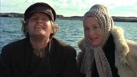 Åke Lindmanin ohjaamassa tv-sarjassa päärooleja esittivät Rose-Marie Rosenback ja Leif Sundberg. Sarja valmistui vuonna 1976.