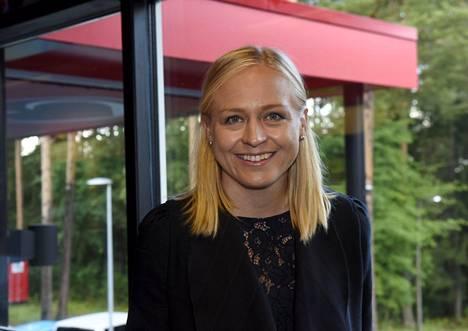 Kansanedustaja Elina Lepomäki kokoomuksen puoluekokouksessa Porissa Isomäen jäähallissa sunnuntaina 6. syyskuuta 2020.