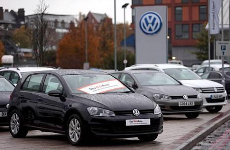 Saksan valtio testaa Volkswagenin lisäksi kaikki muutkin diesel-autot.