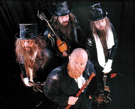 Leevi and the Leavings vuonna 2002.