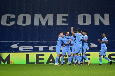 Manchester City nousi tiistaina Valioliigan kärkeen. Viimeviikkoisen ottelun tapahtumat johtivat uuteen paitsio-ohjeistukseen.