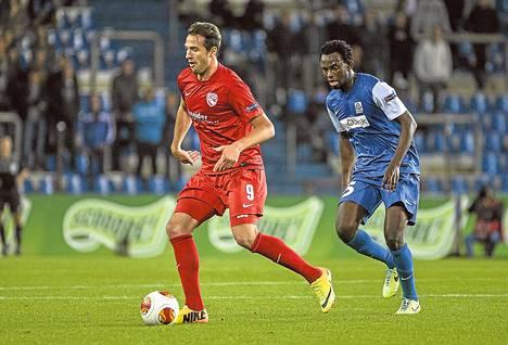 Sveitsin liigan FC Thunia edustava Berat Sadik (vas.) on tehnyt viisi maalia 17 sarjaottelussa tällä kaudella.