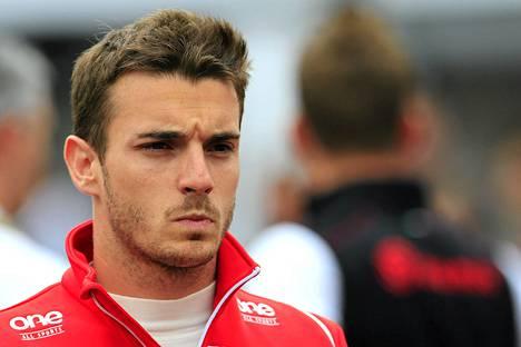 Jules Bianchi loukkaantui vakavasti ulosajossa sunnuntaina.